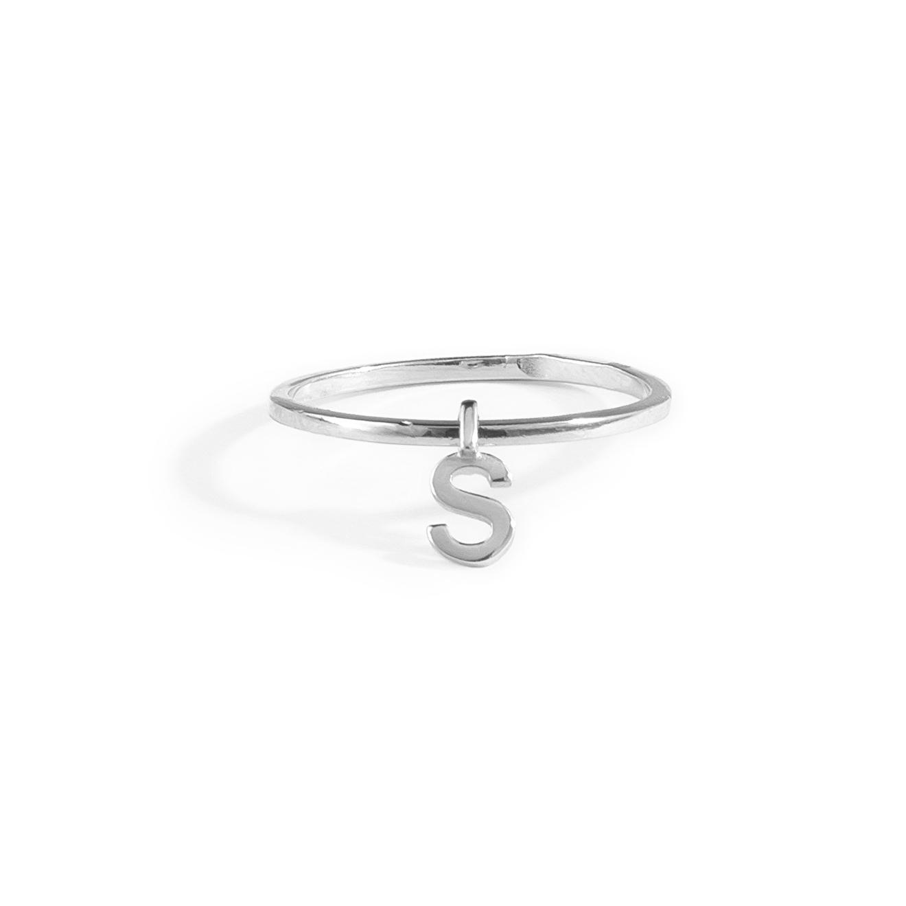 Фото - Ringstone Кольцо из серебра с буквой S ringstone жемчужное ожерелье с буквой s ringstone
