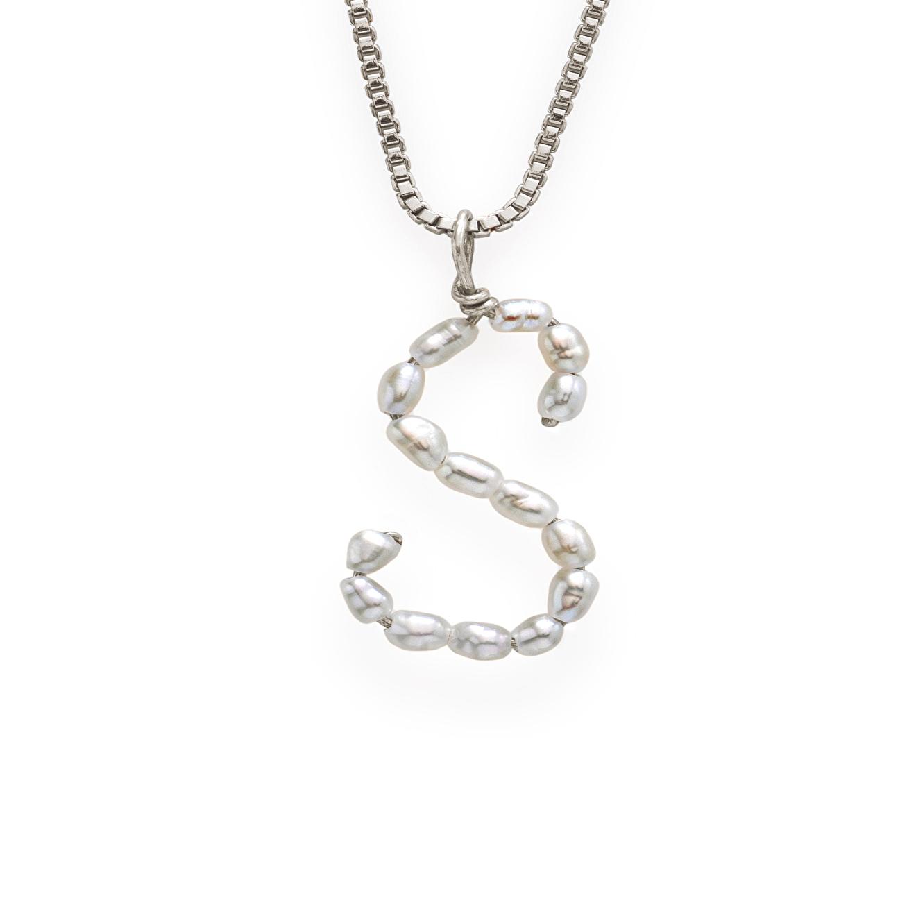 Фото - Ringstone Серебряное колье с жемчужной буквой S ringstone жемчужное ожерелье с буквой s ringstone