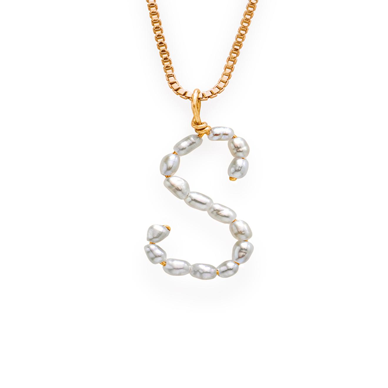 Фото - Ringstone Позолоченное колье с жемчужной буквой S ringstone жемчужное ожерелье с буквой s ringstone