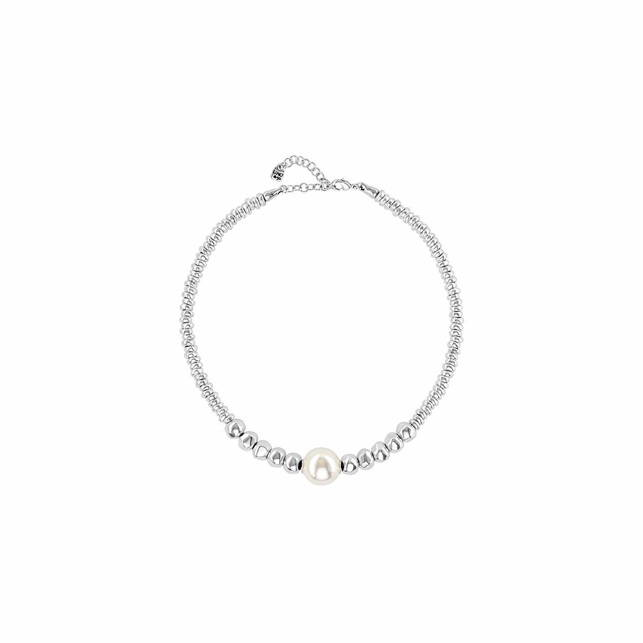 Unode50 Покрытое серебром короткое ожерелье с подвесками и синтетическим жемчугом Moody unode50 покрытое серебром короткое ожерелье с подвесками и синтетическим жемчугом moody
