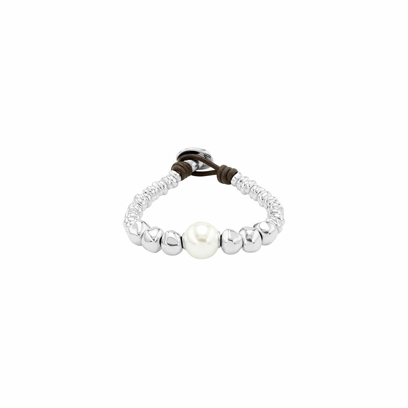 Unode50 Покрытый серебром браслет с синтетическим жемчугом и натуральной кожей Moody unode50 покрытое серебром короткое ожерелье с подвесками и синтетическим жемчугом moody